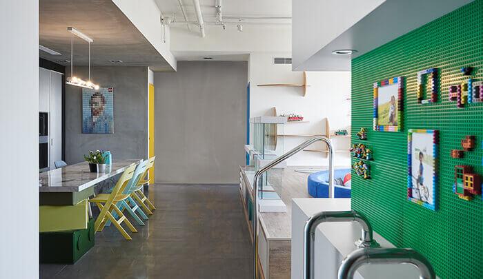 Projeto criativo do apartamento temático de LEGO